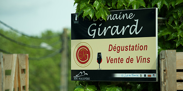 Girard_Schild_1_590_295
